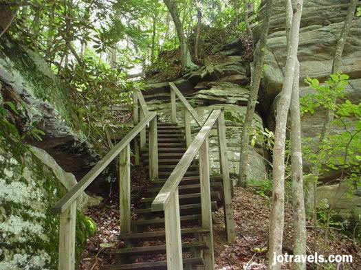 The paths to the overlooks were well taken care of, and one was even handicap accessable, at Breaks Interstate Park.